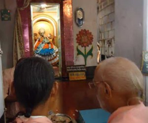 Srila Gurudeva-Darsan de Nirsimhadeva em Yogaphita