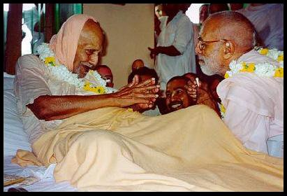 Doce encontro entre grandes Vaisnavas, Srila Bhakti Pramoda Puri e Srila Narayana Gosvami Maharaja!