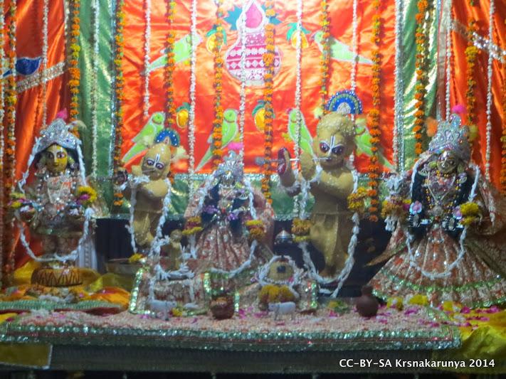 Sri Sri Radha-Gokulananda