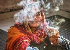 राजस्थान भले ही रेतीला है मगर उसी भारतीय राज्य की यह बिंदास तस्वीर बताती है कि वहां गांवों में भी औरतें किसी शहर से कम नहीं.