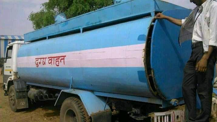 दूध में मिलावट रोकने...टैंकरों पर डिजिटल ताले लगाने की तैयारी