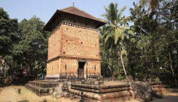 Kizhthali-Siva-Temple-L