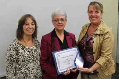 Pam Furlan, Glenda Nicke, Bettie Truitt with award