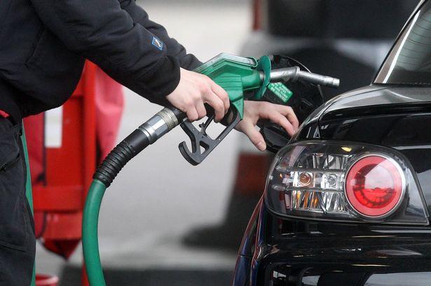अब पेट्रोल हाल्दा उल्टो पैसा पाईने