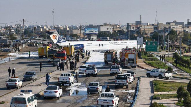 चालकको गल्तीका कारण सडकमा विमान अवतरण