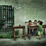 Bocah dan Taman Bermain yang Terkunci
