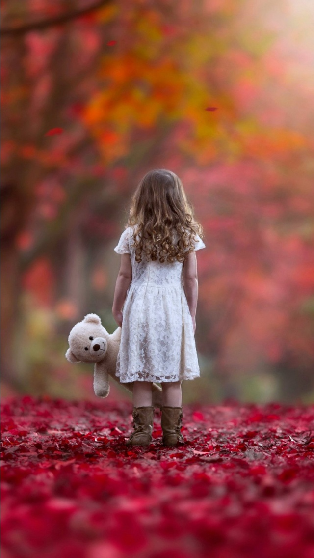 Girl Holding Teddy Bear Wallpapers Autumn Sad Lonely Little Girl Wallpapers 640x1136 172100