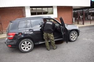 Skradziony Mercedes oraz Volkswagen odzyskany na granicy
