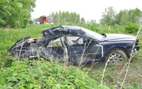 Zderzenie osobówki z ciężarówką niedaleko Janowa Podlaskiego