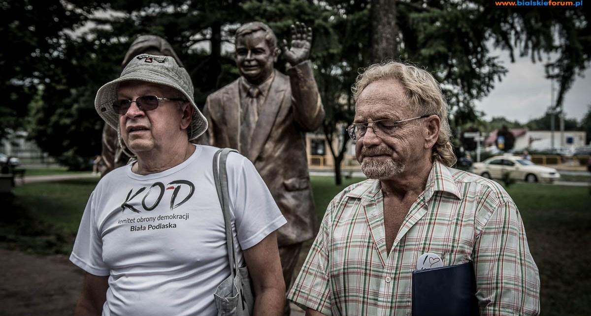 Pomnik w koszulce - są pierwsze rozstrzygnięcia sądu