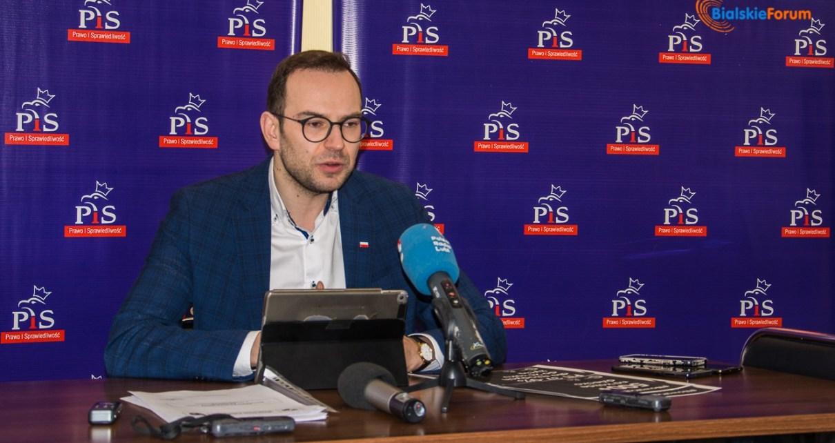 Konferencja prasowa Posła na Sejm RP Marcina Duszka w sprawie Nowej Piątki PiS