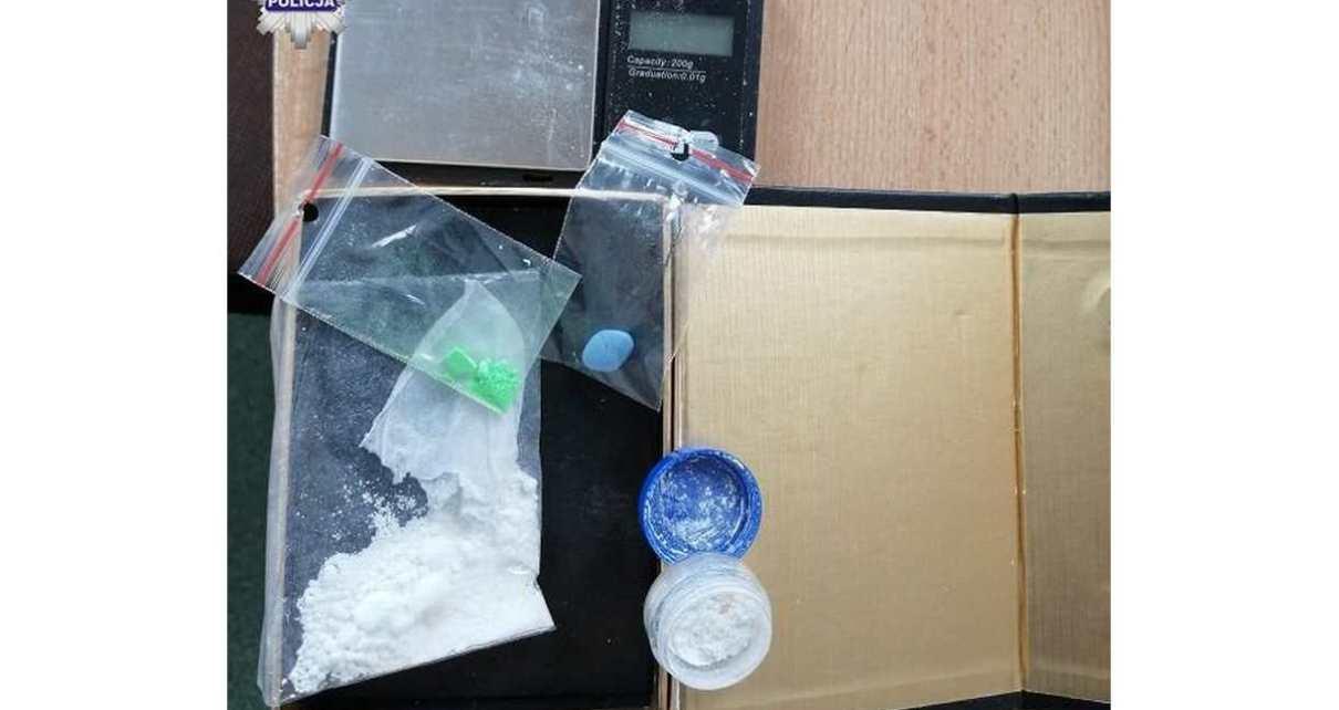 ujawnili narkotyki podczas kontroli drogowej