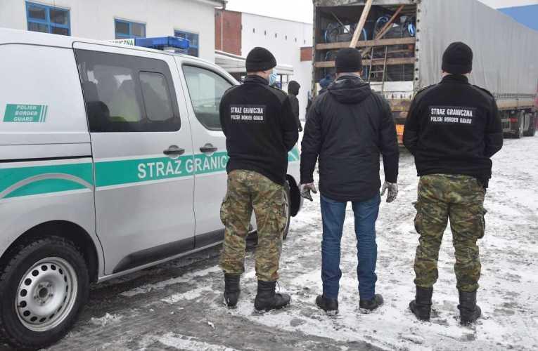 Pijany kierowca próbował wjechać do Polski samochodem ciężarowym
