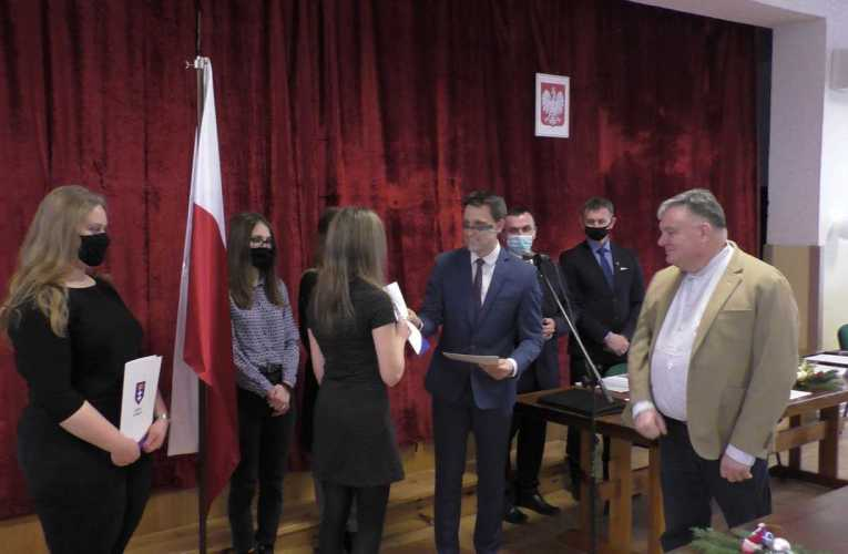 Stypendia Pomostowe w gminie Łomazy