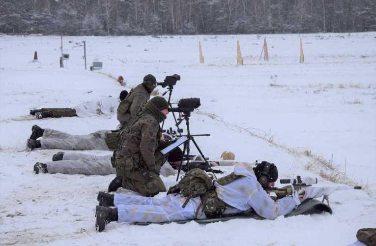 Bialscy Terytorialsi ćwiczą na poligonie w Wędrzynie