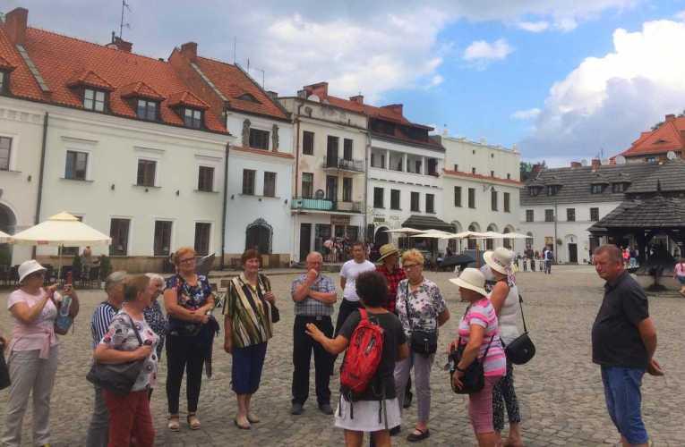 Wycieczka Klubu Seniora w Łomazach do Nałęczowa i Kazimierza Dolnego