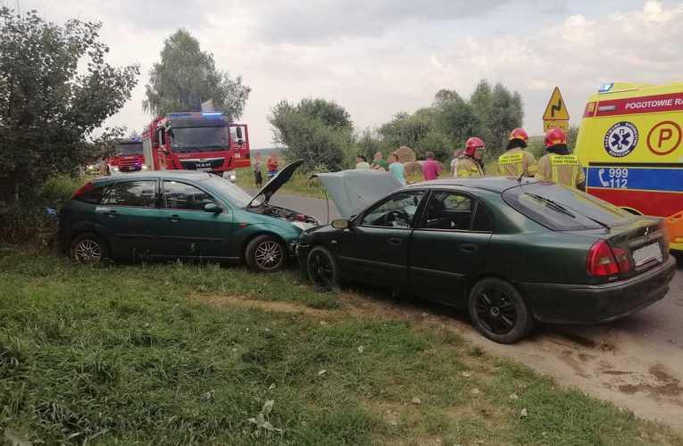 Zderzenie dwóch aut w Koczukówce