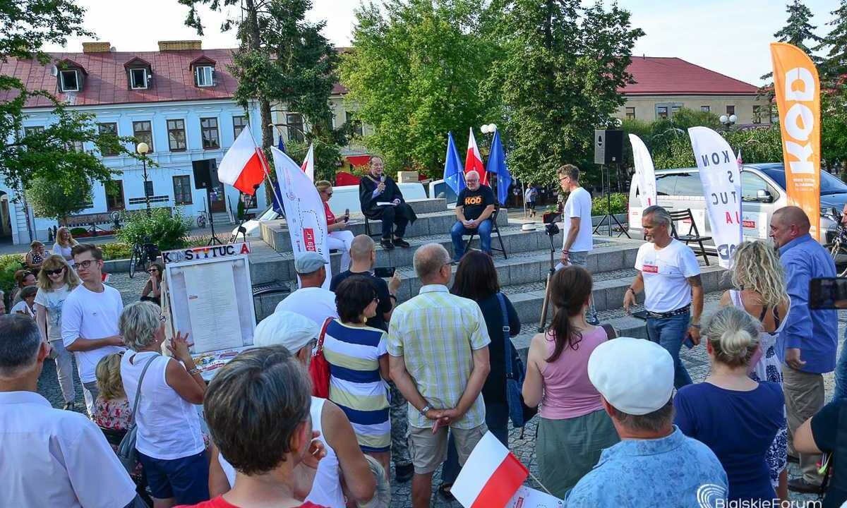 tour de konstytucja w Białej Podlaskiej