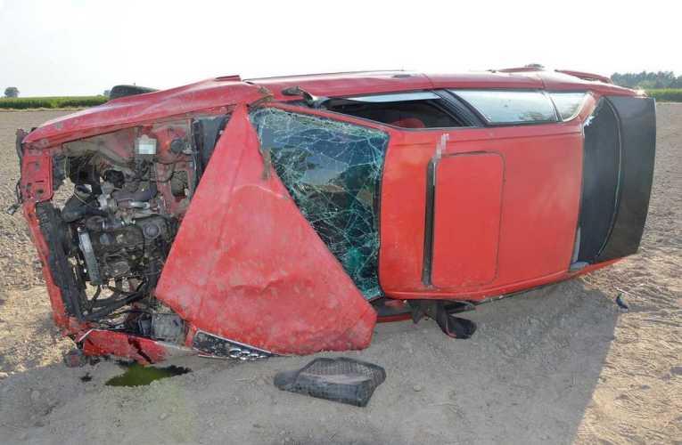 Dwa dachowania w obu przypadkach kierowcy nie posiadali uprawnień