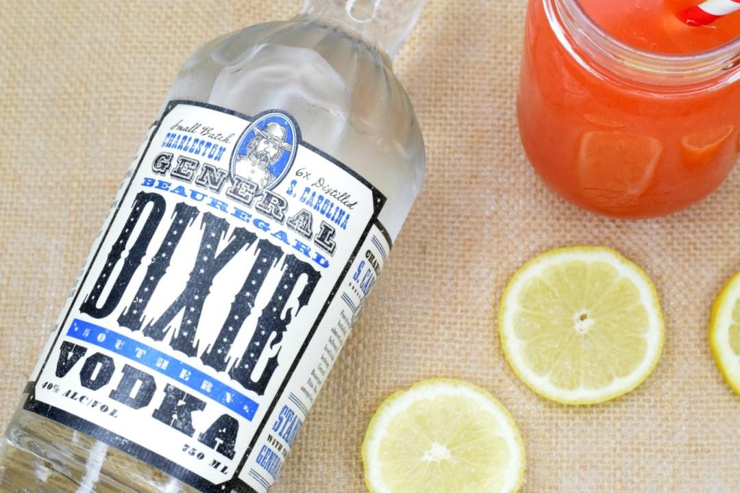 strawberry-lemonade-vodka-cocktail-3