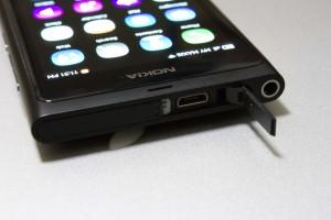 Nokia N9 USB Charge Port