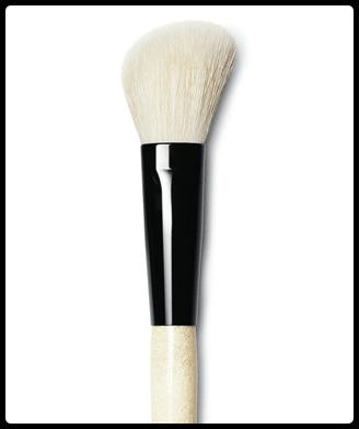 ANGLED FACE BRUSH - nueva brocha de Bobbi Brown