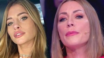 """Karina Cascella sbotta contro uno sfondone di Chiara Nasti: """"Ignorante, ragionamento imbarazzante, cervello pieno di plastica"""""""