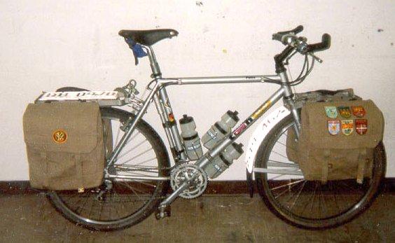 bike and panniers.JPG (43121 bytes)