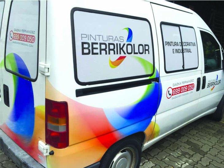 Rotulación vehicular: vinilo impreso y recortado
