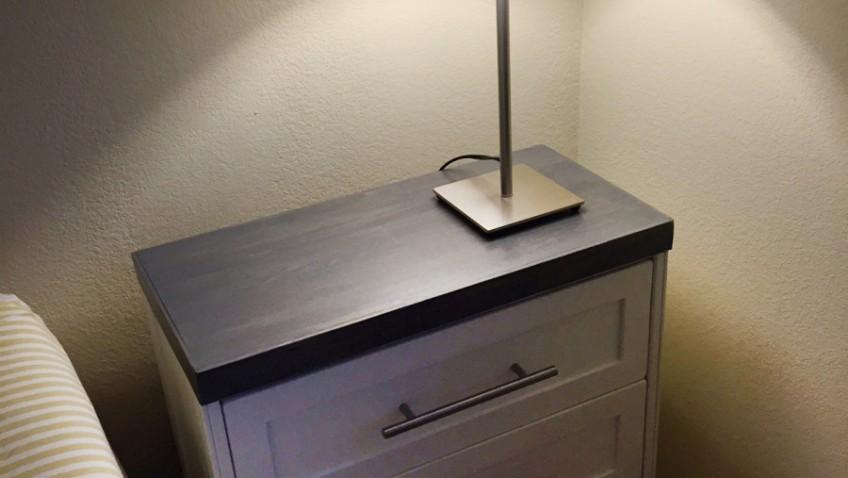 Ikea Table De Chevet Noire Les Tournesols
