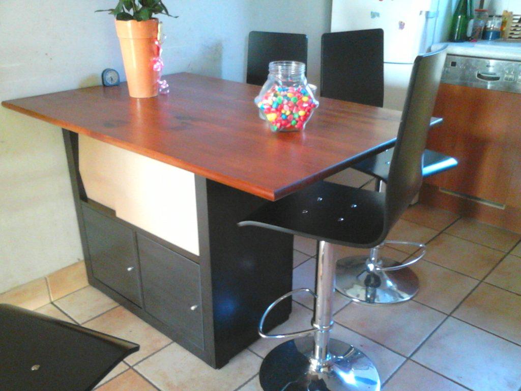 table carrée cuisine