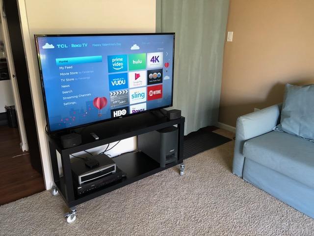 un meuble tele a roulettes pour tv