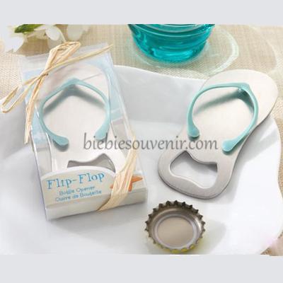 Souvenir pernikahan pembuka botol sandal pantai
