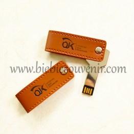 Souve nir USB Kunci Putar