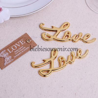 souvenir pernikahan gold love bottle opener