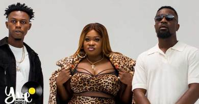Sista Afia featuring Sarkodie and Kweku Flick performing Sika Remix Official Music Video directed by Yaw Skyface, song produced by Apya.