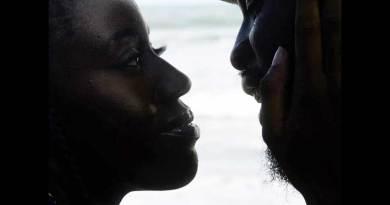 Ghanaian rapper M.anifest premiers La Vida Music Video.