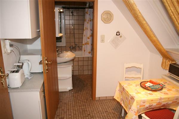 Mblierte Dachgeschoss 2 ZimmerWohnung in Bielefeld Mitte zu vermieten