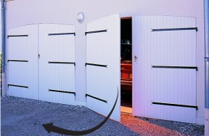 portes de garage battantes, fabriquées par France Fermetures