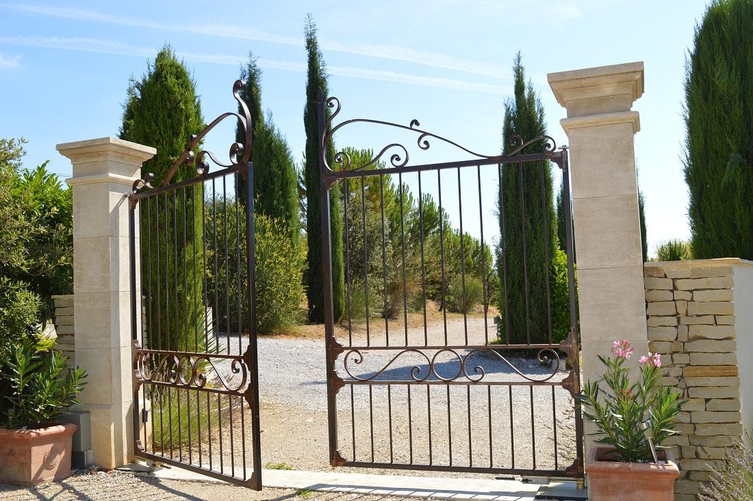 Faire Son Portail En Fer choisir les portes de sa maison : le portail - bien construire