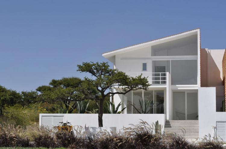 SE VENDE Casa nueva Diseo moderno ubicada en el Club de