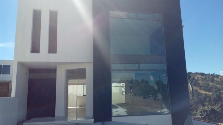 PreVenta casa en Altozano Doble altura en sala comedor