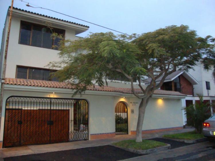 Venta casa de 4 dorm en La Molina CAV11812