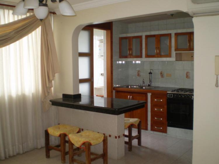 Apartamento en Alquiler en Maracay San Jacinto 80 m23
