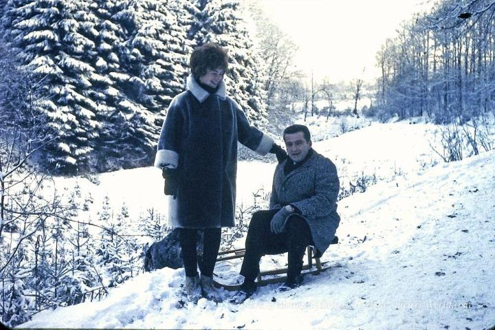 Gertrud and Werner Biewer with a sled