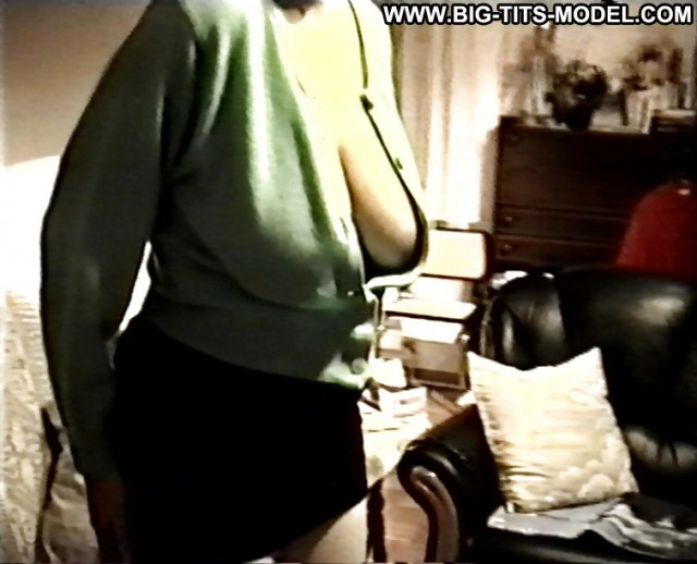 Pamelia Private Pics Big Boobs Voyeur Downblouse Big Tits Stunning