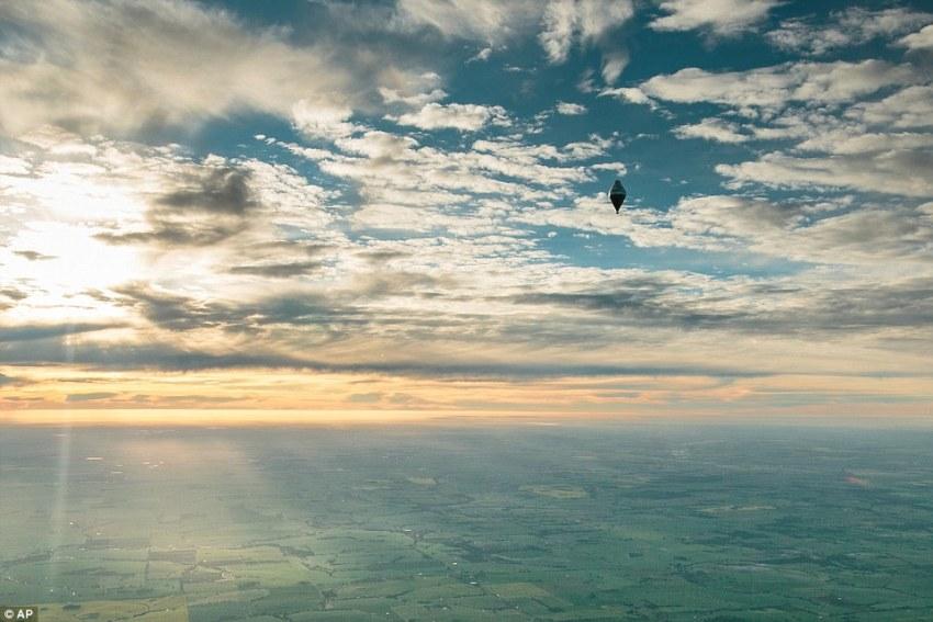 Ruski svećenik Fjodor Konyukhov postavio svjetski rekord u letu balonom oko svijeta