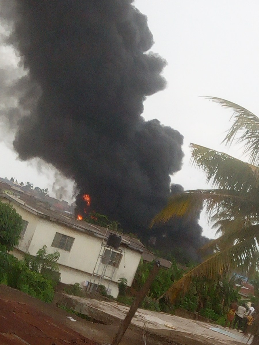 Fire Outbreak At Old Ife Road Bridge, Ibadan
