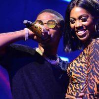 Wizkid Grab Tiwa Savage's Ass On Stage, Rocks Her (Video)