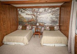 Summer Bear bedroom
